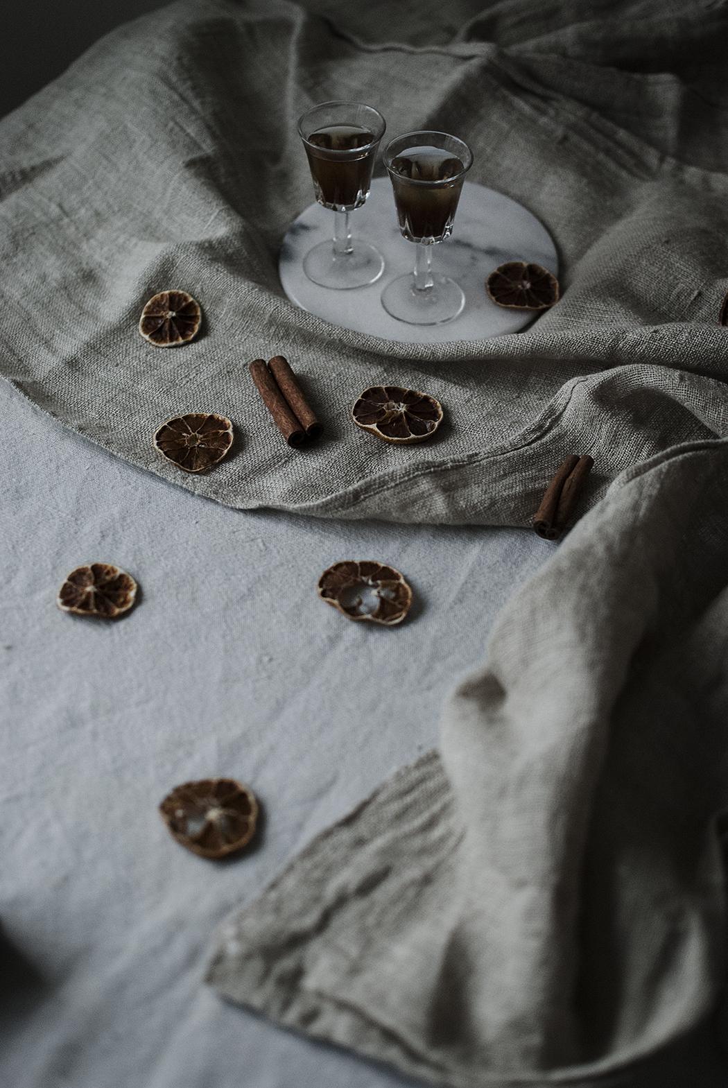 Kryddad snaps: kanel och pomerans