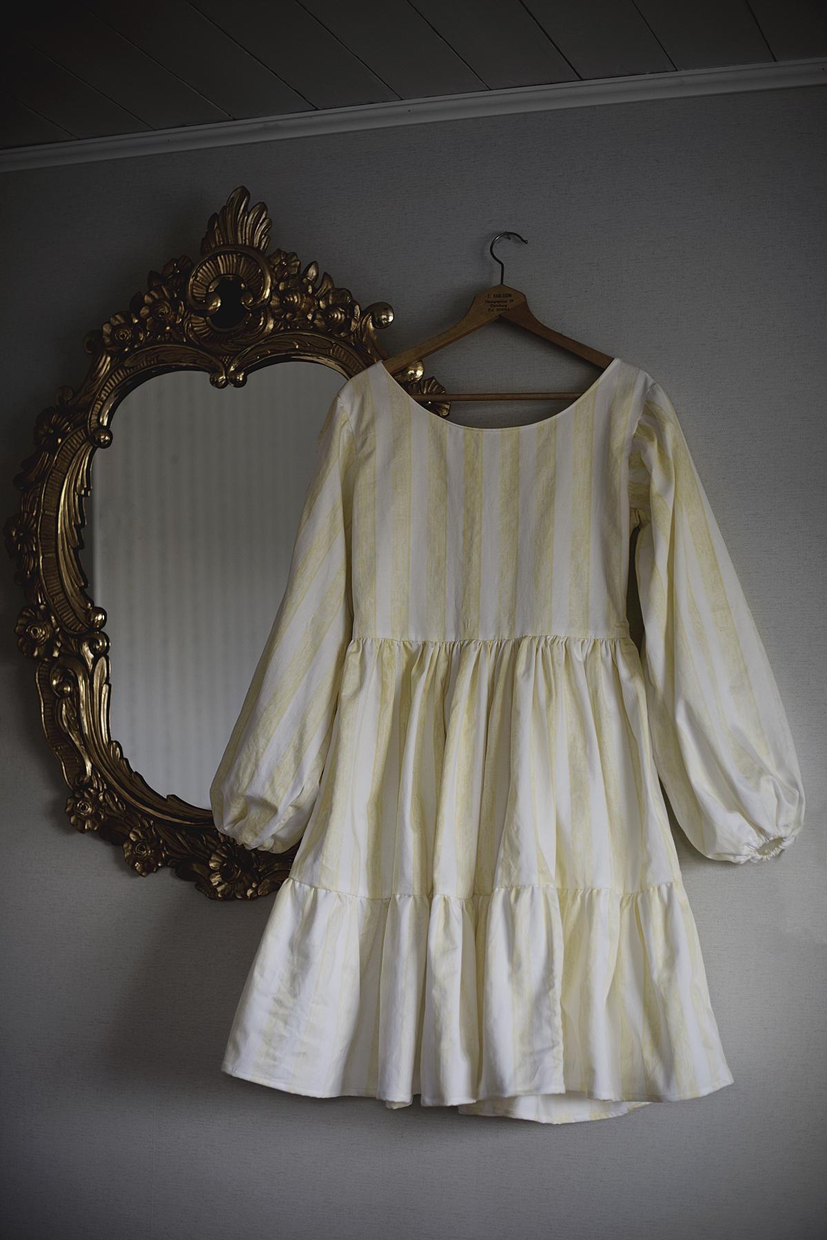 klänning av en secondhandad gardin