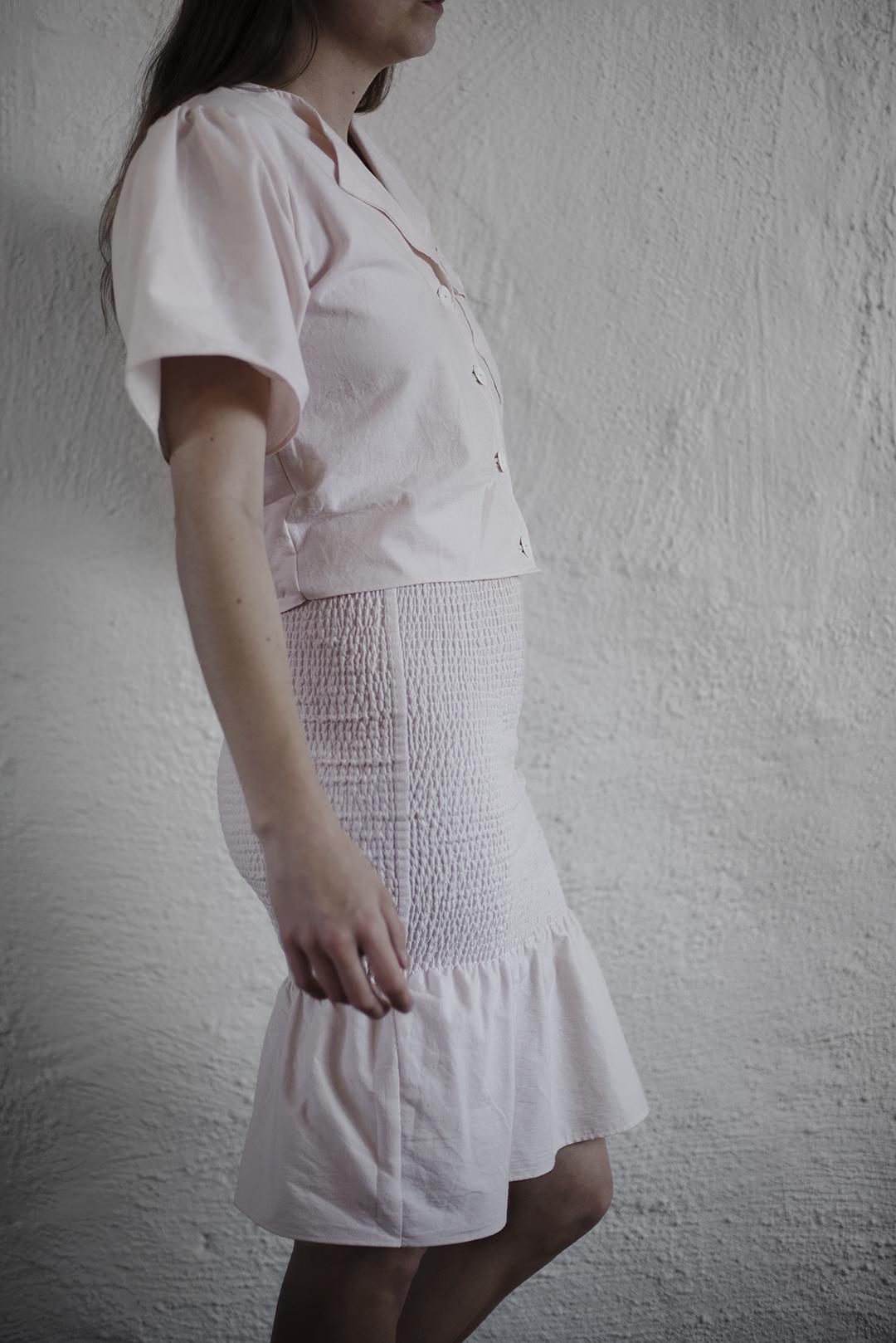 set med kjol och skjorta av secondhandlakan